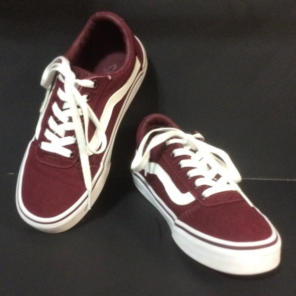 0ef8ab3fb5 VANS OFF THE WALL Size 6.5 WARD Burgundy Sneakers.  M 5c3c03be45c8b39539729220